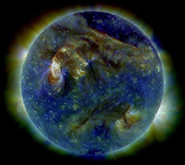 1213px-Sun_-_August_1,_2010